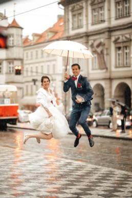 Denča s Kubou si na svatbě z deště udělali přednost
